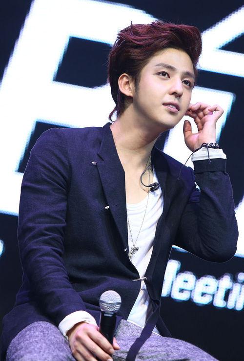 20130403_kimkibum_thailandfanmeet